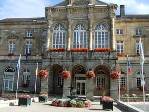 Domfront en Poiraie, hôtel de ville