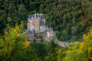 Burg Eltz - Nach der Retusche