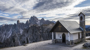 Kapelle in den Dolomiten