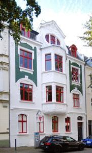 Hörder Rathausstr. 15  2014 nach der Fassadensanierung Foto: Denkmalbehörde Michael Holtkötter