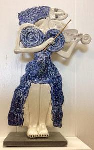 VENDU Sculpture femme contemporaine  Pépette point com et son violon N° 62 H40.5X24CM