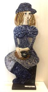 VENDU Sculpture femme contemporaine  Pépette point com à la pêche N° 75 H44X18 CM