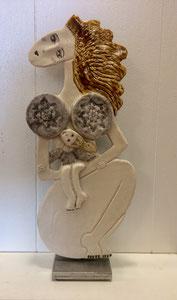 97 Sculpture femme contemporaine ET SON ENFANT 35X15CM disponible