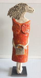 Sculpture femme contemporaine  Pépette point com et son sac N ° 45 H44.5X 12 CM