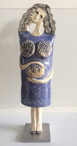 Sculpture femme contemporaine  Pépette point com enceinte N° 39 H47.5X14CM