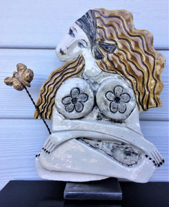 113 Sculpture femme contemporaine POETE 27X23.5CM disponible