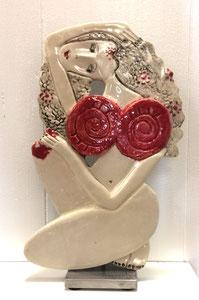 VENDU Sculpture femme contemporaine  Pépette point com à la plage n° 79 H29.5X17CM