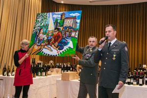 Pressefoto by RK NÖ / P. Rein-Hodurek.  DI Peter Kaiser, Geschäftsführer Rk Nö  (rechts) präsentiert das Gemälde von Matthias Laurenz Gräff