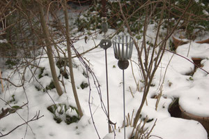 (c) S. Rieger  Kerzenhalter im Garten - Candle holder in the garden