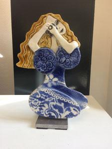VENDU Sculpture femme contemporaine