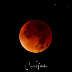 04:43 CET the peak stage of the total lunareclipse (Blood moon)