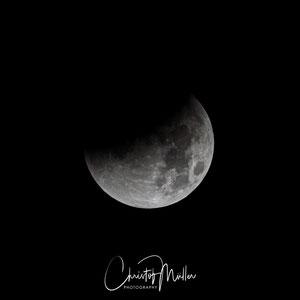 03:29 CET The Total Lunar Eclipse begins