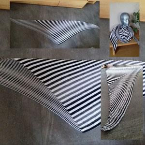 """'Shifting Stripes'  aus der Leuchtturm-Wicklung """"Farblos"""" / Tuch gestrickt und fotografiert von Silke Schröter"""