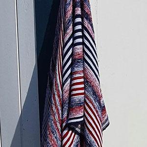 """Leuchtturm-Tuch """"Dar Original"""" / Tuch gestrickt und fotografiert von Anni Hallmenn"""
