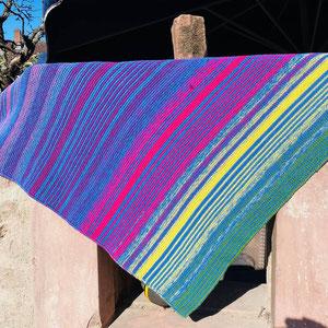 Texels Tulpenfelder / Farbzusammenstellung sowie Tuch gestrickt und fotografiert von Barbara Riedl