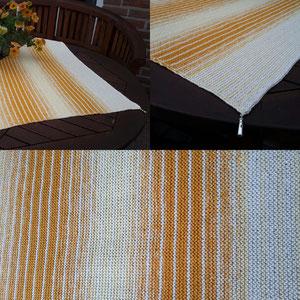 Leuchtturm-Tuch in creme + vanille-kurkuma Klare Kante / Tuch gestrickt und fotografiert von Silke Schröter