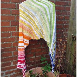 Regenbogen / Schal gestrickt und fotografiert von Maike Dürkop