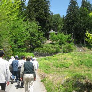 最初の目的地、円空仏が保存されている清峯寺へ。