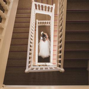 photographe Mariage toulon grandhoteldeslecque union saintcyrsurmer escalier photos