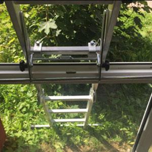 Leiterkopfsicherung für Fenster und Brüstungen
