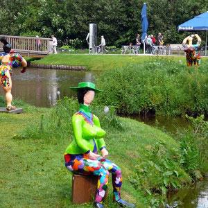 Frauenfigur auf der Gartenschau