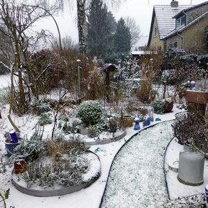 Weißer Kies-Garten