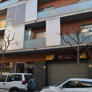 Edifici modern al c. Jacint Verdaguer 20-22 on antigament estava la casa de Joan Manadé. Desembre 2018. Fotografia: Raúl Sanz.