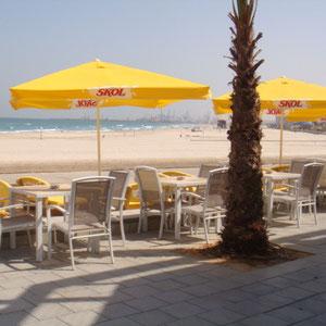 Café de la plage à la Marina