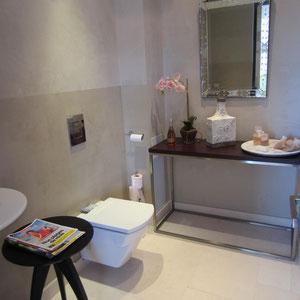Toilets on parents suite