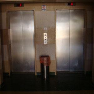 2 ascenseurs, un shabbatique