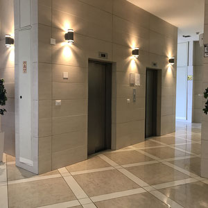 2 ascenseurs dont un shabbatique