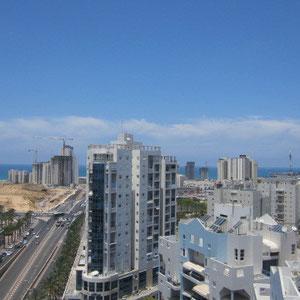 Vue sur la CITY et la mer