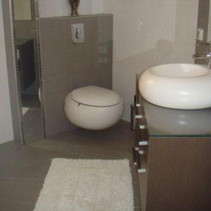 Bathroom + jaccuzi