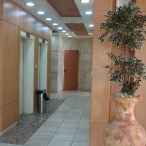 2 ascenseurs dont un chabbatique