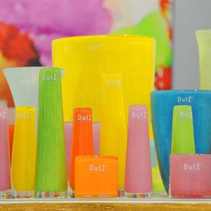 Farbenfroh überzeugt unser Sortiment an hochwertigen Dutzvasen aus mundgeblasener Produktion