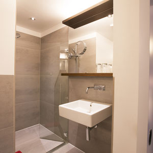 standard bathroom in double or triple rooms