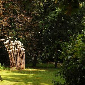 """""""Temps d'Arrêt""""  4,50 METRES  - 2011   - Domaine St Jean de Chépy - Isère -  Acier & céramique de porcelaine tournée -"""