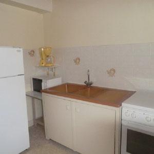 Lou Filadour - Location appartement de vacances à Jausiers - Appartement Le Chambeyron - Cuisine équipée