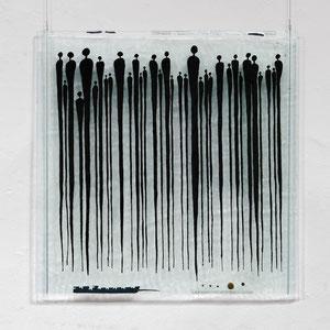 Menschen, Floatglas, Fusing-Technik, 60x60 cm, Foto: Markus Steur