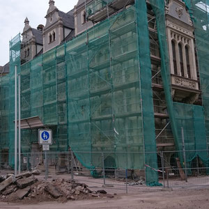 Rathaus Schönebeck verhüllt