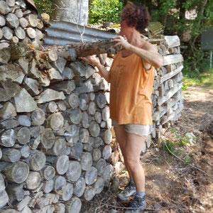 Aufbau der Alpaka Farm mit den Holz