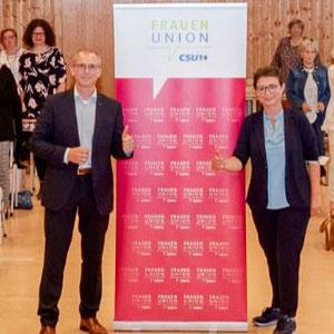 Tobias Winkler (Bundestagskandidat der CSU)  und Adelheid Seifert (Vorsitzende FU Kreis  Fürth Land)