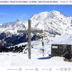 Croix et table d'orientation. Massif du Mont-Blanc. Le Bettex. Saint-Gervais-les-Bains.