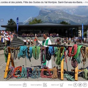 Bénédiction des cordes et des piolets. Fête des Guides du Val Montjoie. Saint-Gervais-les-Bains.