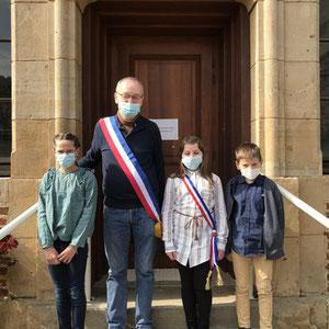 Les élus des enfants à Flagnac : Julia Domergue, maire junior ; Clément Lantuéjoul, 1 er adjoint ; Isoline Cantournet 2e adjointe.
