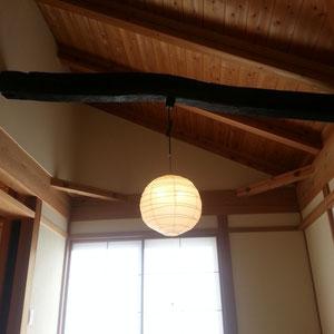 和室のお洒落な照明