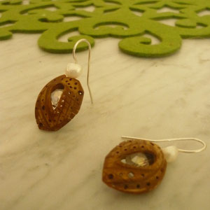Ohrringe aus 925/- Silber, Kernholz