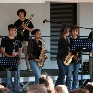 Instruments à vent. Big Band Jazz du Collège Eléonore de Provence, Monségur, promotion 2011. Festival JAZZ360, Cénac. 01/06/2011