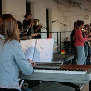 Piano. Big Band Jazz du Collège Eléonore de Provence, Monségur, promotion 2011. Festival JAZZ360, Cénac. 01/06/2011