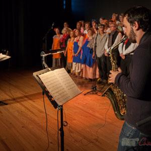 Natahlie Aubin, Paul Robert, les Choraleurs dans  Carmen in Swing